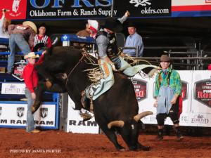 cody-campbell-2014-rncfr-bull-riding